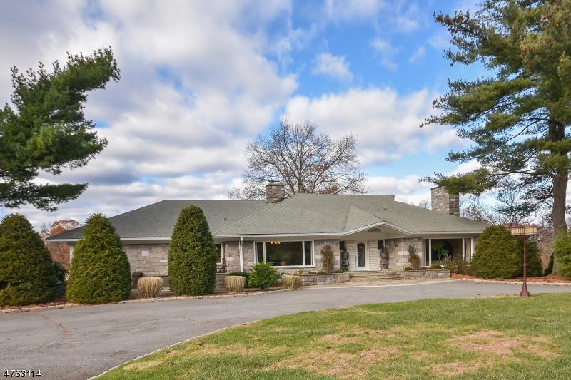 一戸建て のために 売買 アット 715 Totowa Road 715 Totowa Road Totowa Boro, ニュージャージー 07512 アメリカ合衆国