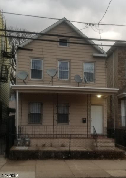 Частный односемейный дом для того Аренда на 125 Pine St 1st Fl Elizabeth, Нью-Джерси 07206 Соединенные Штаты