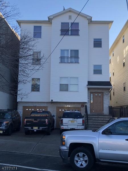 多戶家庭房屋 為 出售 在 38-48 POLK Street Newark, 新澤西州 07105 美國