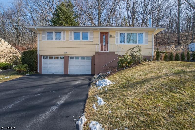Casa Unifamiliar por un Venta en 58 Scrivani Drive Wanaque, Nueva Jersey 07465 Estados Unidos