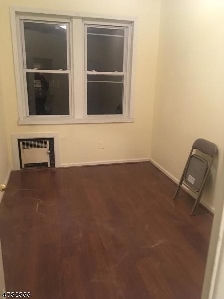 Maison unifamiliale pour l à louer à 291 291 Tremont Avenue East Orange, New Jersey 07018 États-Unis