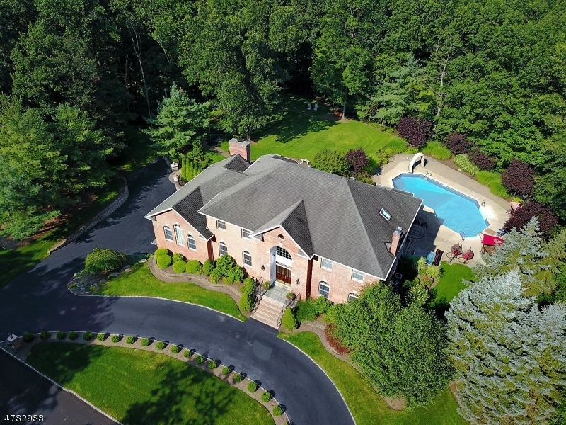 Single Family Home for Sale at 110 Fountain Drive Ringwood, New Jersey 07456 United States