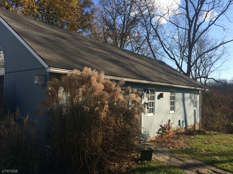 Additional photo for property listing at 18 Everittstown  Frenchtown, New Jersey 08825 United States