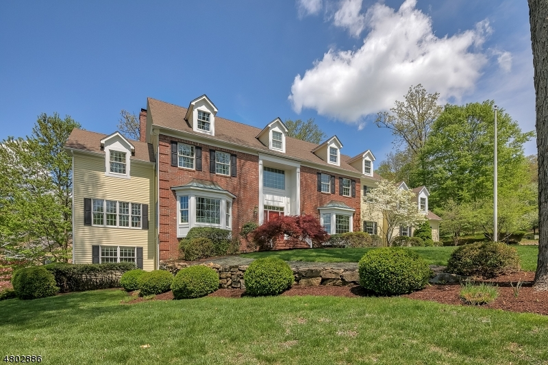 Single Family Home for Sale at 20 Laurelwood Drive 20 Laurelwood Drive Bernardsville, New Jersey 07924 United States