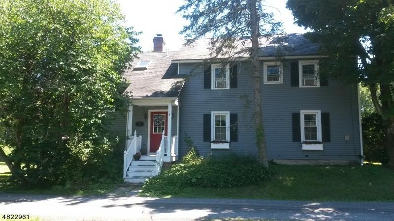 Nhà ở một gia đình vì Thuê tại 107 ROUTE 519 Hampton, New Jersey 07860 Hoa Kỳ