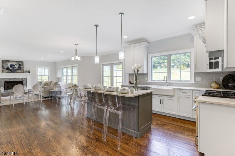Casa Unifamiliar por un Venta en 1024 MARY ALLEN Lane Mountainside, Nueva Jersey 07092 Estados Unidos