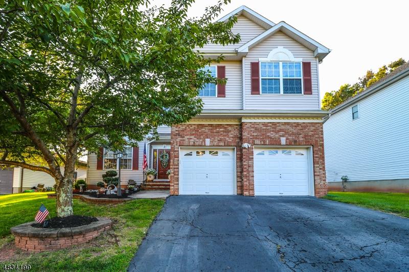 Maison unifamiliale pour l Vente à 3 Woodward Drive Bridgewater, New Jersey 08807 États-Unis