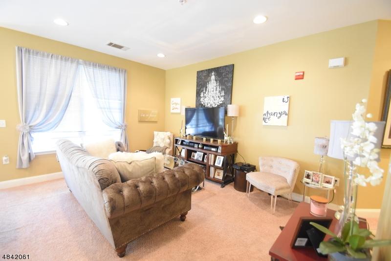 Condo / Townhouse pour l à louer à 7204 COVENTRY Court Riverdale, New Jersey 07457 États-Unis
