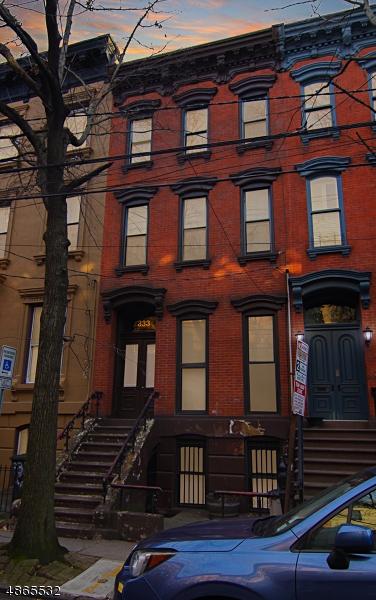 Многосемейный дом для того Продажа на 333 YORK Street Jersey City, Нью-Джерси 07302 Соединенные Штаты