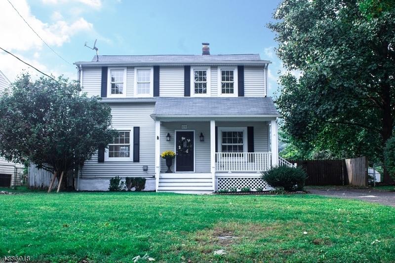 Villa per Vendita alle ore 590 MOUNTAINVIEW Drive North Plainfield, New Jersey 07063 Stati Uniti