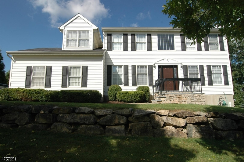 9 LONG RIDGE Court  Roxbury Township, Nova Jersey 07852 Estados Unidos