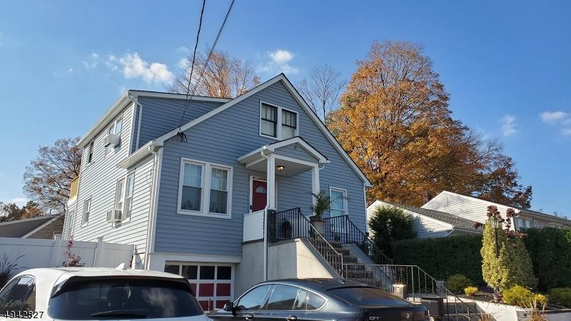 Multi-Family Homes för Försäljning vid Fair Lawn, New Jersey 07410 Förenta staterna