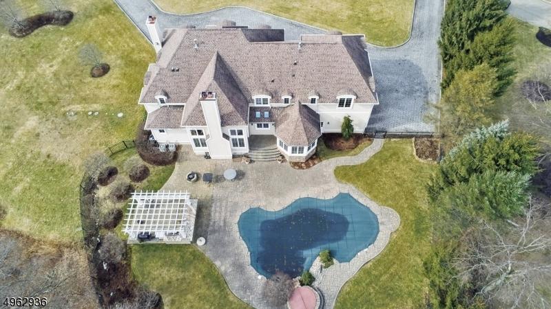 Single Family Homes pour l Vente à Kinnelon, New Jersey 07405 États-Unis
