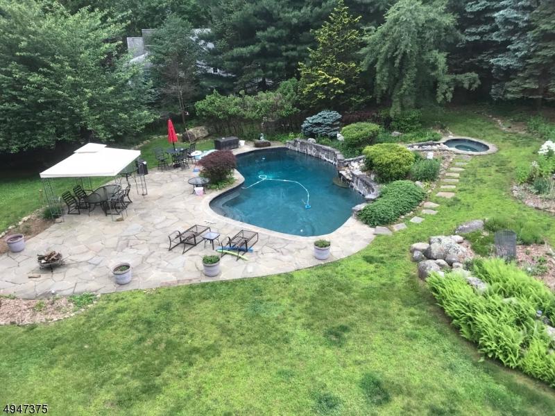 Single Family Homes для того Продажа на Mahwah, Нью-Джерси 07430 Соединенные Штаты