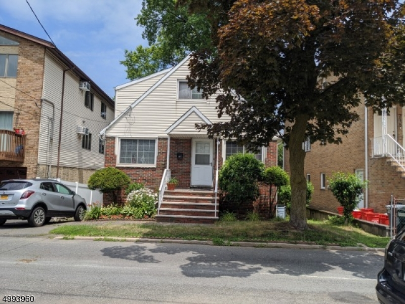 Single Family Homes 용 매매 에 Cliffside Park, 뉴저지 07010 미국