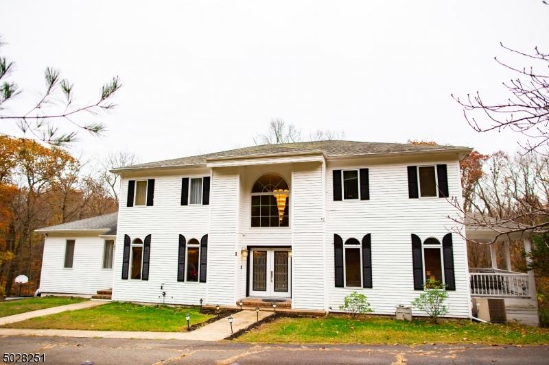 Single Family Homes для того Продажа на Jefferson Township, Нью-Джерси 07438 Соединенные Штаты