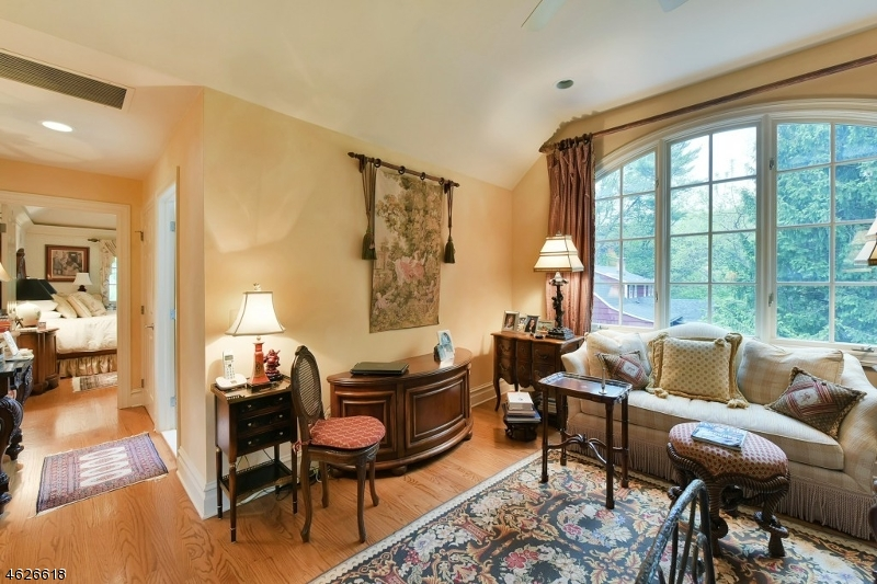 Additional photo for property listing at 443 HARTUNG Drive  Wyckoff, New Jersey 07481 United States