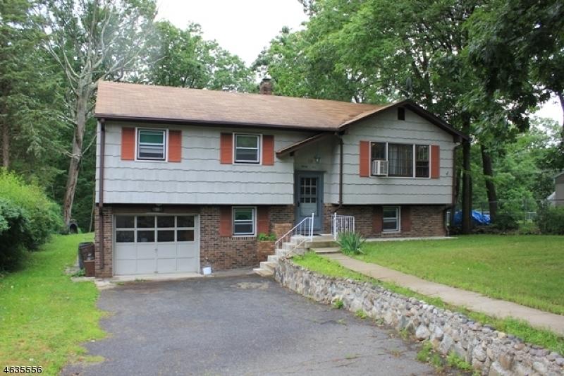 Casa Unifamiliar por un Venta en 35 Lakeview Road Ringwood, Nueva Jersey 07456 Estados Unidos