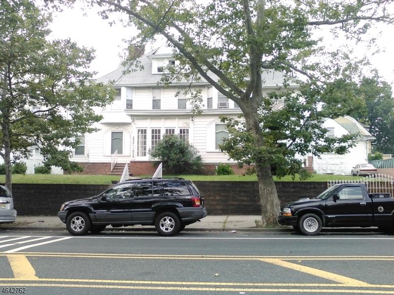 多户住宅 为 销售 在 Address Not Available 纽瓦克市, 新泽西州 07104 美国