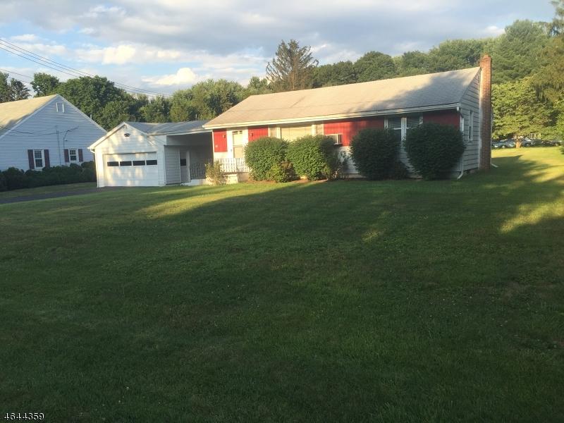 Additional photo for property listing at 907 Maple Drive  Stewartsville, Нью-Джерси 08886 Соединенные Штаты