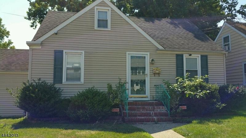 Maison unifamiliale pour l Vente à 1053 Madison Hill Road Rahway, New Jersey 07065 États-Unis