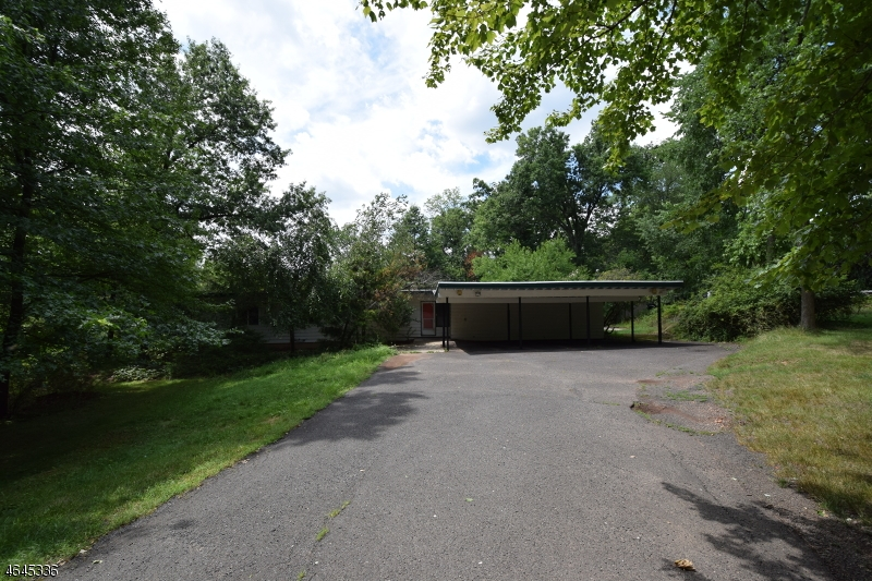 Additional photo for property listing at 121 Branch Road  Bridgewater, Nueva Jersey 08807 Estados Unidos