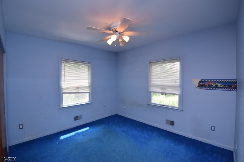 Additional photo for property listing at 121 Branch Road  Bridgewater, New Jersey 08807 États-Unis