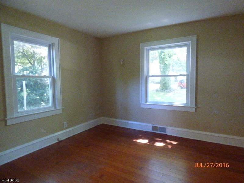 Additional photo for property listing at 133 Liberty Blvd  Phillipsburg, Нью-Джерси 08865 Соединенные Штаты