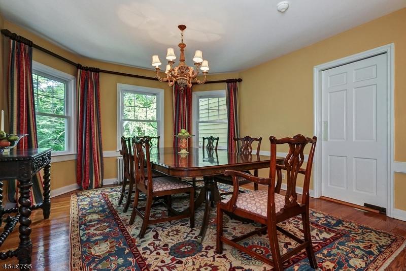 Частный односемейный дом для того Продажа на 182 Oaks Road Millington, 07946 Соединенные Штаты