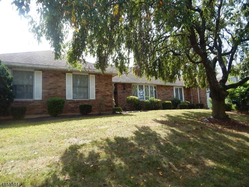 Частный односемейный дом для того Продажа на 803 Bound Brook Avenue Raritan, 08869 Соединенные Штаты