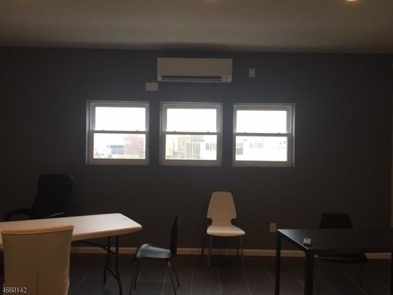 Additional photo for property listing at 42-48 NORFOLK Street  Newark, New Jersey 07103 États-Unis