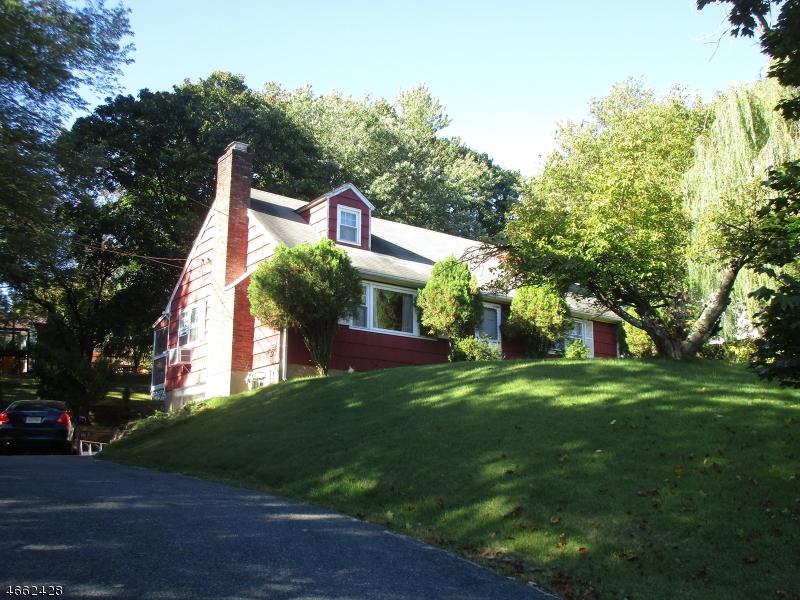 独户住宅 为 销售 在 216 W Hanover Avenue 莫里斯敦, 新泽西州 07960 美国