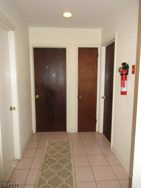 Additional photo for property listing at 216 W Hanover Avenue  莫里斯敦, 新泽西州 07960 美国