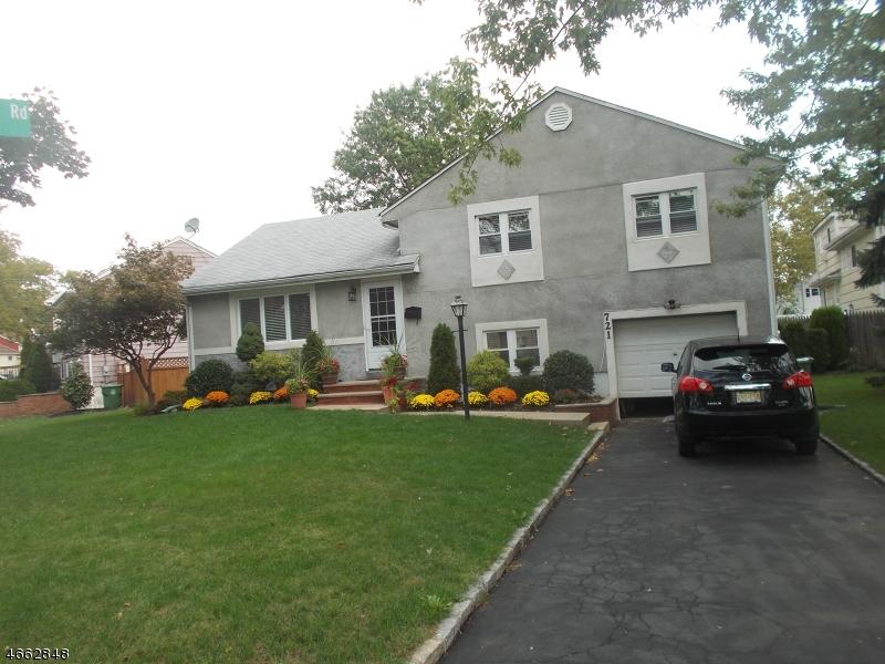 Maison unifamiliale pour l Vente à 721 Beechwood Road Linden, New Jersey 07036 États-Unis