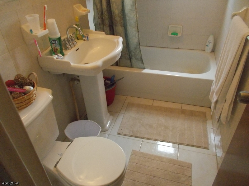 Additional photo for property listing at 721 Beechwood Road  林登, 新泽西州 07036 美国