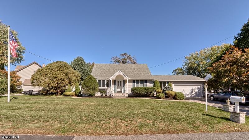 Maison unifamiliale pour l Vente à 11 Dubel Road Wayne, New Jersey 07470 États-Unis