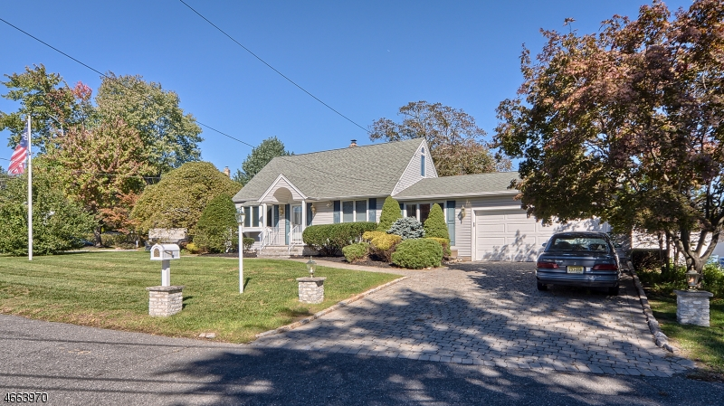 Additional photo for property listing at 11 Dubel Road  Wayne, New Jersey 07470 États-Unis