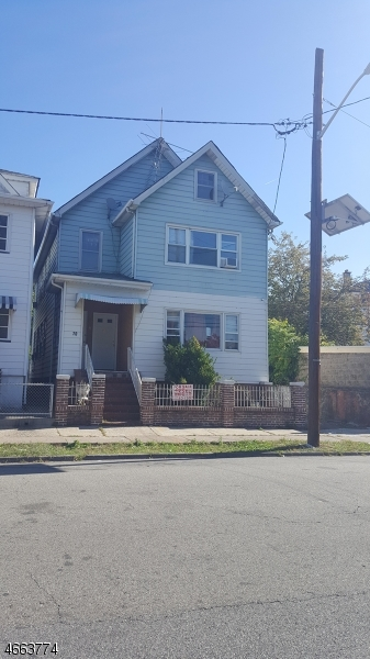 Additional photo for property listing at 70 Cambridge Avenue  Garfield, 新泽西州 07026 美国
