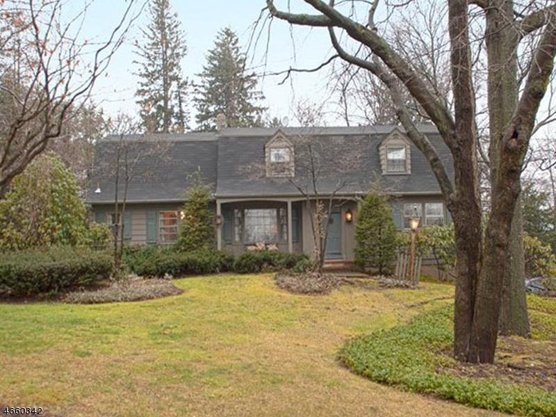Частный односемейный дом для того Аренда на 731 Birchwood Drive Wyckoff, Нью-Джерси 07481 Соединенные Штаты