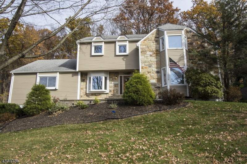 独户住宅 为 出租 在 79 Knob Hill Road 哈克特斯镇, 07840 美国