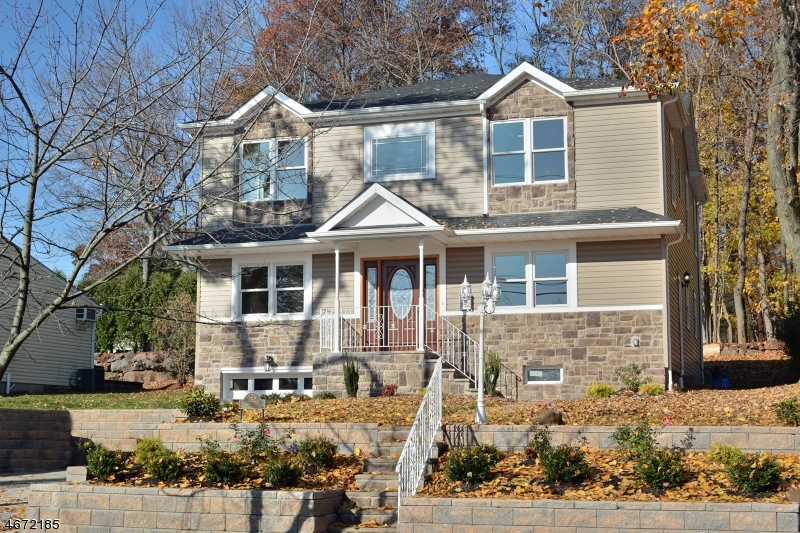 Частный односемейный дом для того Продажа на 352 Boulevard Glen Rock, Нью-Джерси 07452 Соединенные Штаты