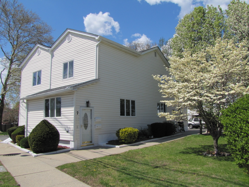Single Family Home for Rent at 7 Tremont Place Nutley, 07110 United States