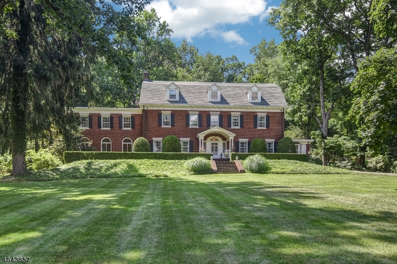 Частный односемейный дом для того Продажа на 180 S Mountain Avenue Montclair, 07042 Соединенные Штаты