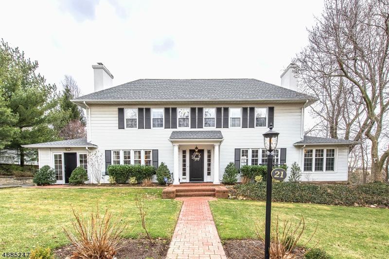 Частный односемейный дом для того Продажа на 21 Westover Road Verona, 07044 Соединенные Штаты
