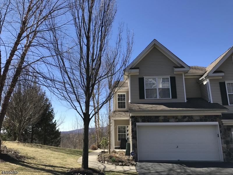 Частный односемейный дом для того Продажа на 13 Ridge Court Pompton Lakes, Нью-Джерси 07442 Соединенные Штаты