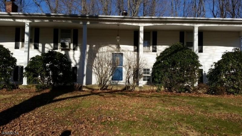 Casa Unifamiliar por un Alquiler en 17 Ironia Road Randolph, Nueva Jersey 07869 Estados Unidos