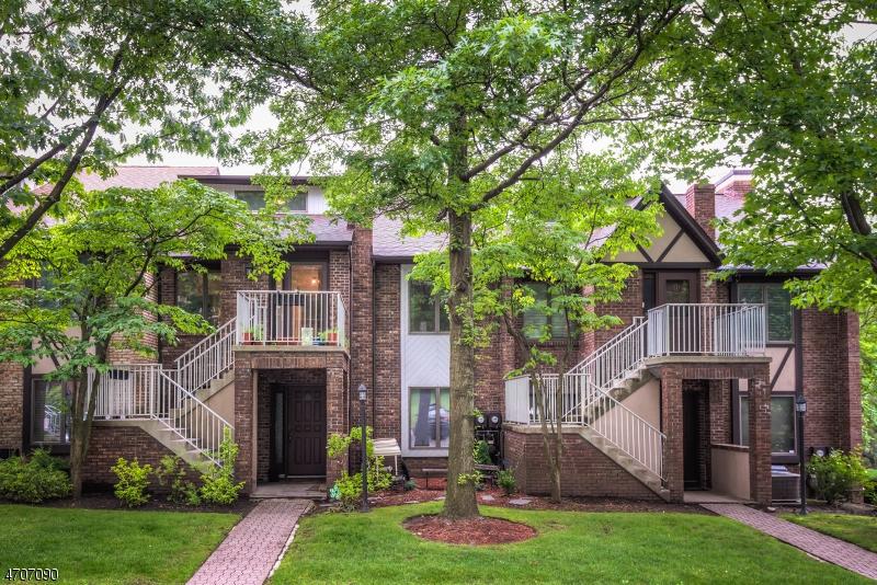 Maison unifamiliale pour l à louer à 900 Valley Road Clifton, New Jersey 07013 États-Unis