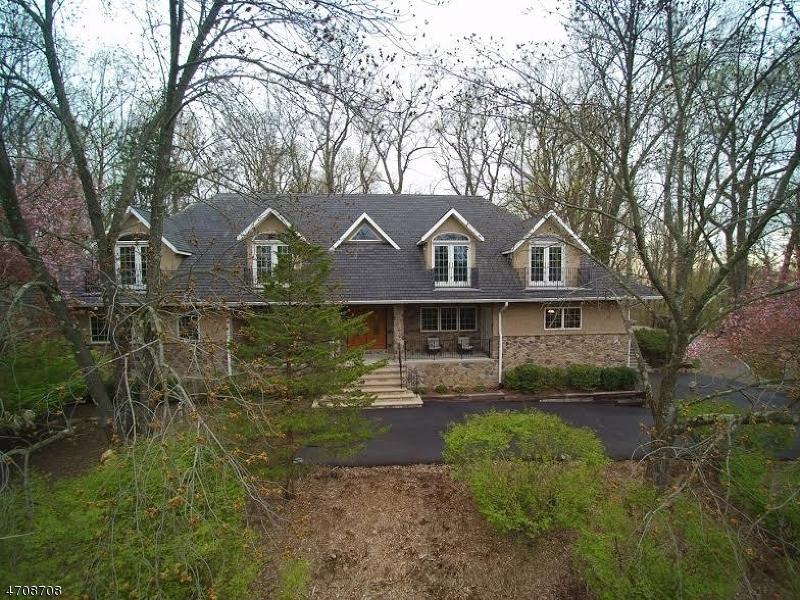 Частный односемейный дом для того Продажа на 6 Cambridge Road Parsippany, 07950 Соединенные Штаты