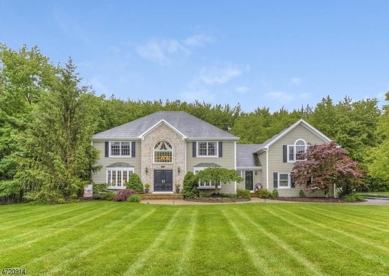 Частный односемейный дом для того Продажа на 5 Vale Road Whippany, 07981 Соединенные Штаты