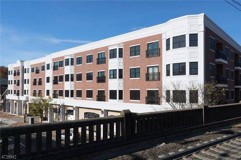 独户住宅 为 出租 在 9 S Orange Avenue 南奥林奇, 新泽西州 07079 美国